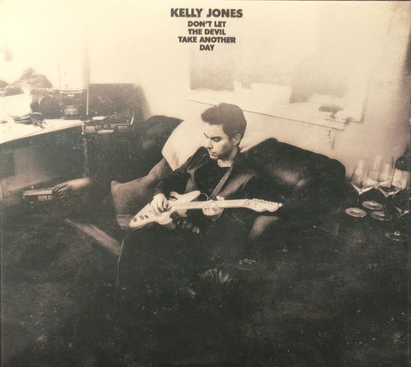 Don't let the devil take another day / Kelly Jones | Jones, Kelly. Composition. Paroles. Chant. Guitare. Piano. Ukulele. Basse (instrument)