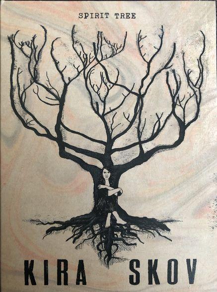 Spirit tree / Kira Skov |